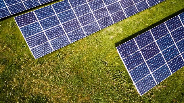 Impacte del nou Decret del sector elèctric a l'autoconsum amb panells solars.